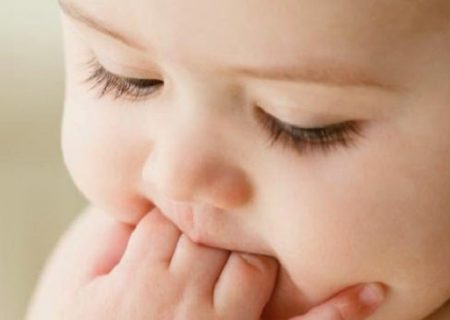 Bổ sung canxi cho bé sơ sinh qua sữa mẹ, con đã đủ chưa?