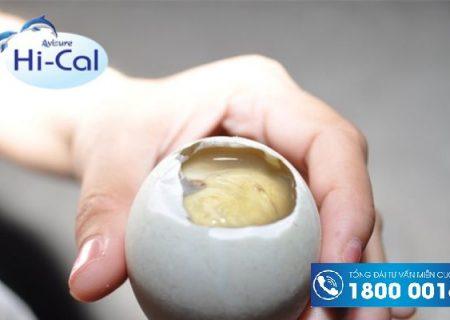 Phụ nữ sau sinh ăn trứng vịt lộn được không?